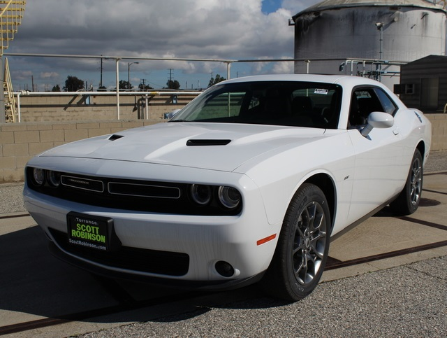 Pre-Owned 2017 Dodge Challenger GT
